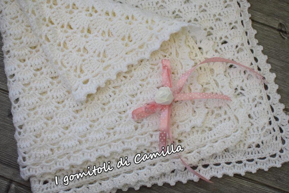Copertina traforata in lana con ventagli #uncinettoperbambina