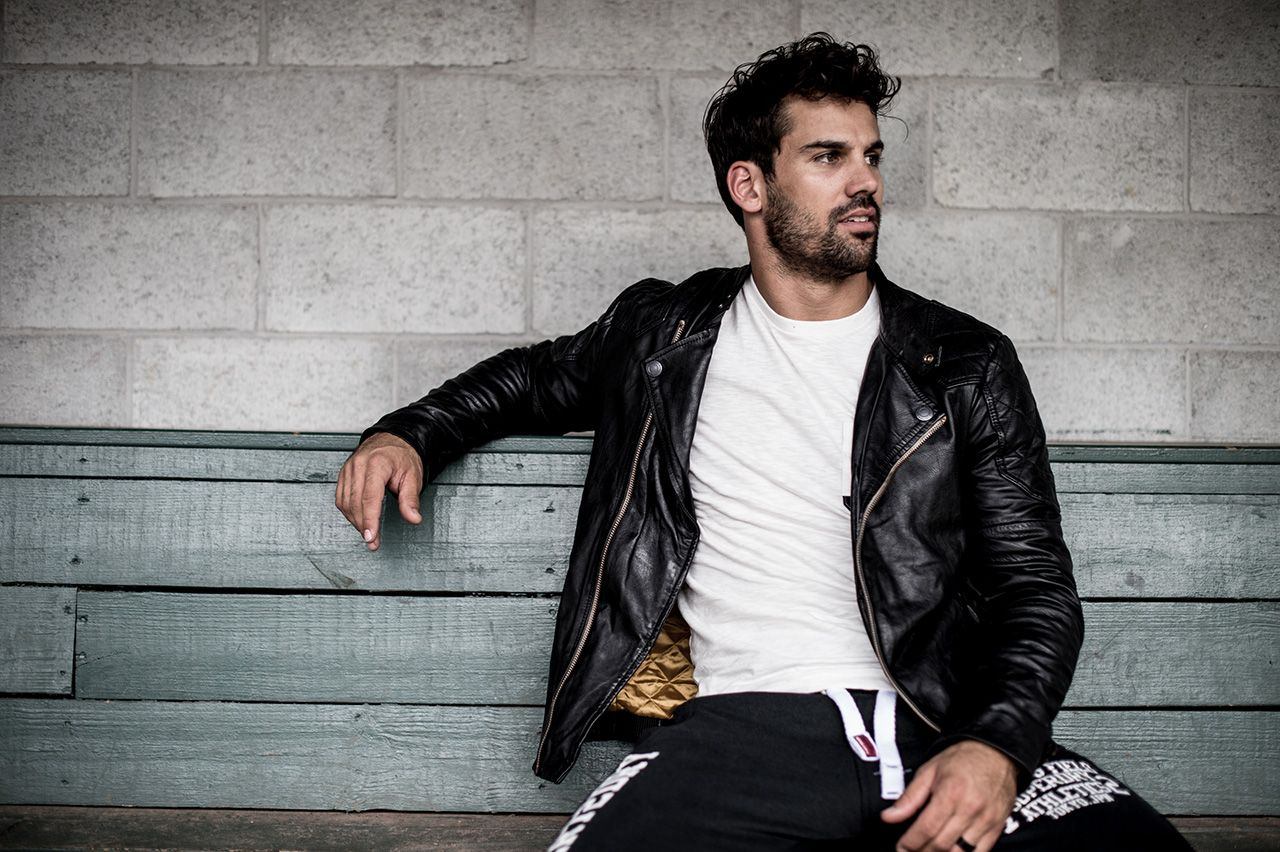 New York Jets Eric Decker Gives Tom Brady A Run For His Modeling Crown In New Fashion Campaign Eric Decker Indy Jacket Fashion