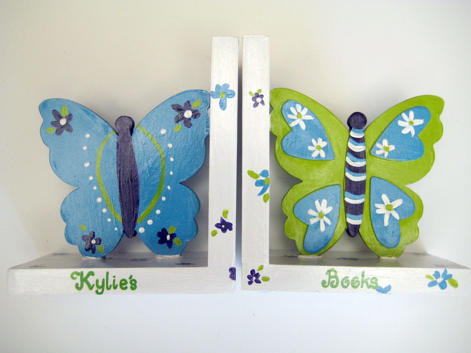 Personalized Butterfly Bookends In Purpleturquoise And Lime Etsy Butterfly Bookends Butterfly Nursery Themes Butterfly Bedding