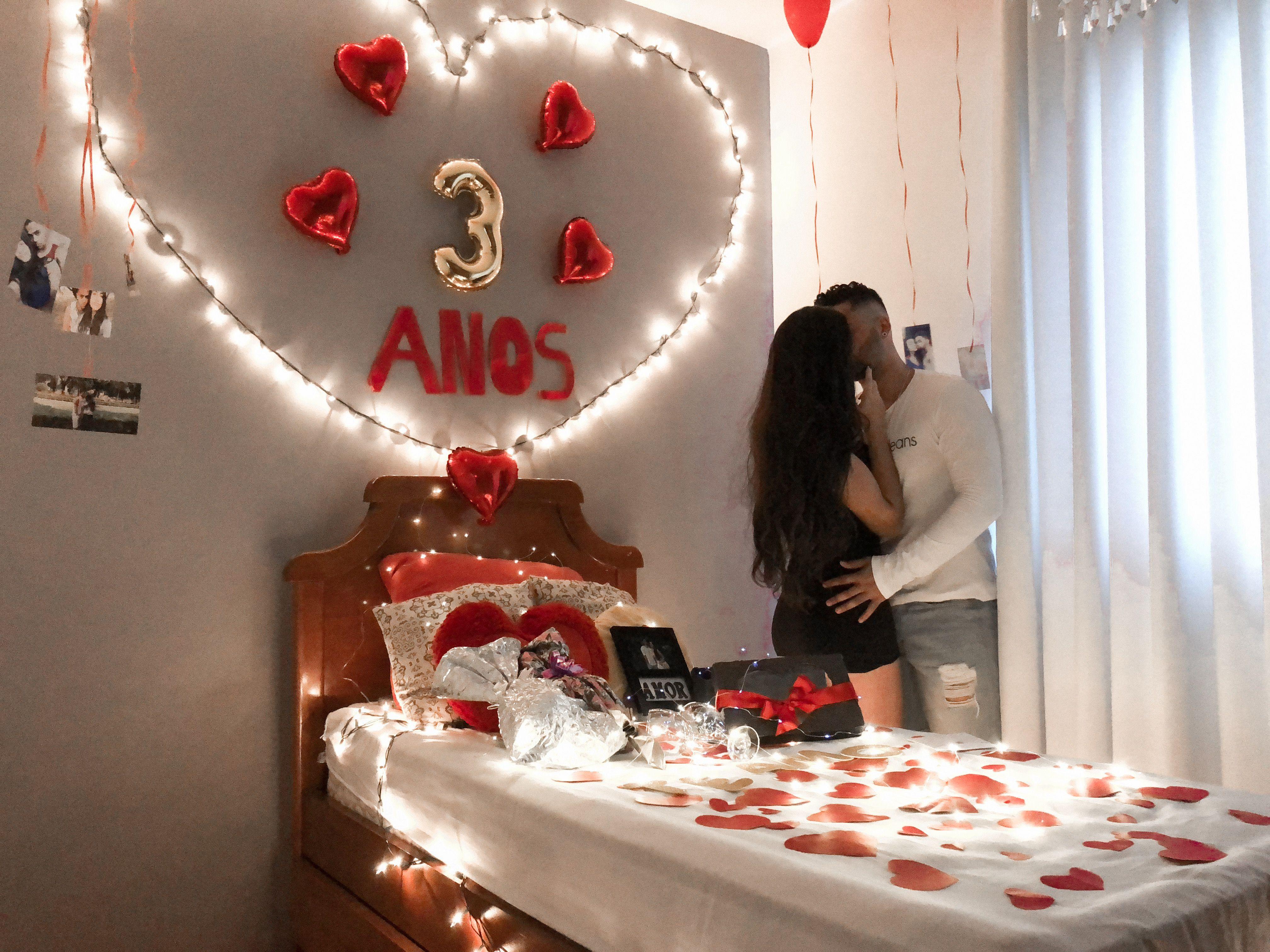 Enfeitando o quarto da namorada