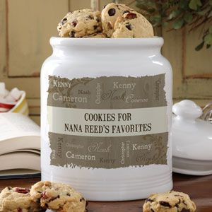 BEAUTIFUL gift idea! A personalized cookie jar that you can create using each family member's names and any message in the middle! LOVE THIS!