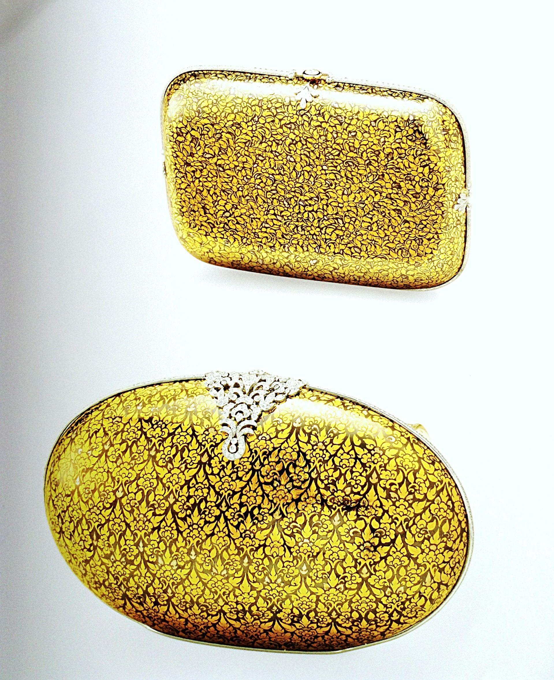 เพชรมรกต: Gold Niello Evening Bags With Diamonds Ornaments.