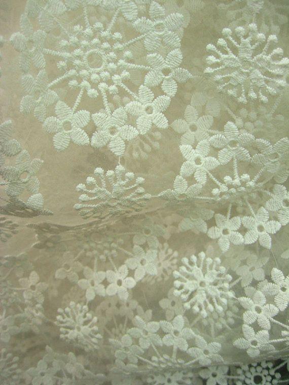 Liza Antique White Panel Bedroom Set: Off White Organza Lace Fabric, Embroidered Dandelion