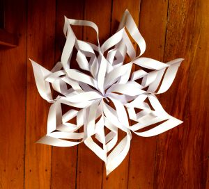 3D paper snow flakes DIY