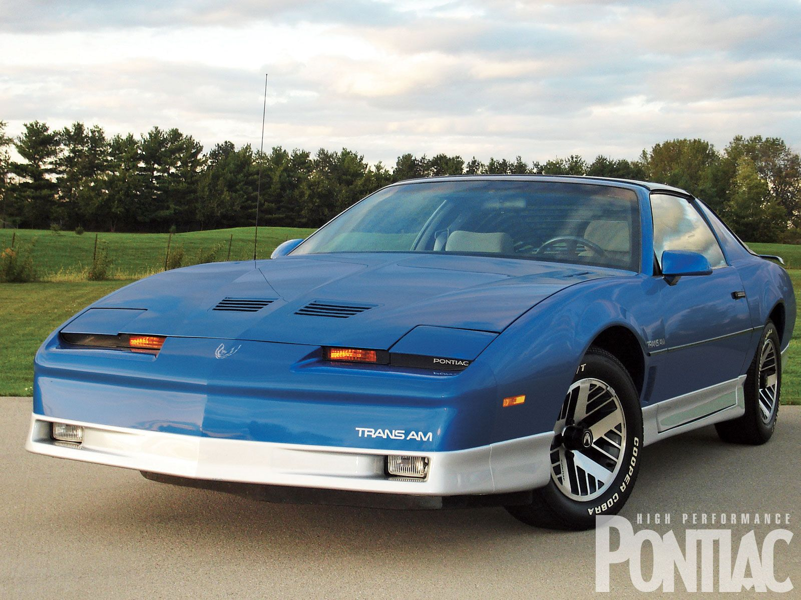 1986 pontiac firebird trans am yes auntie diane had the best car pontiac firebird pontiac cars pontiac firebird trans am 1986 pontiac firebird trans am yes