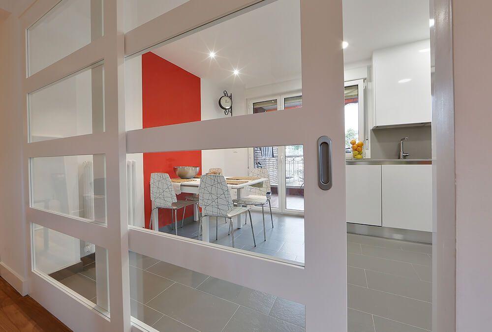 Puerta de cristal cómo separador de cocina y comedor | castellini ...