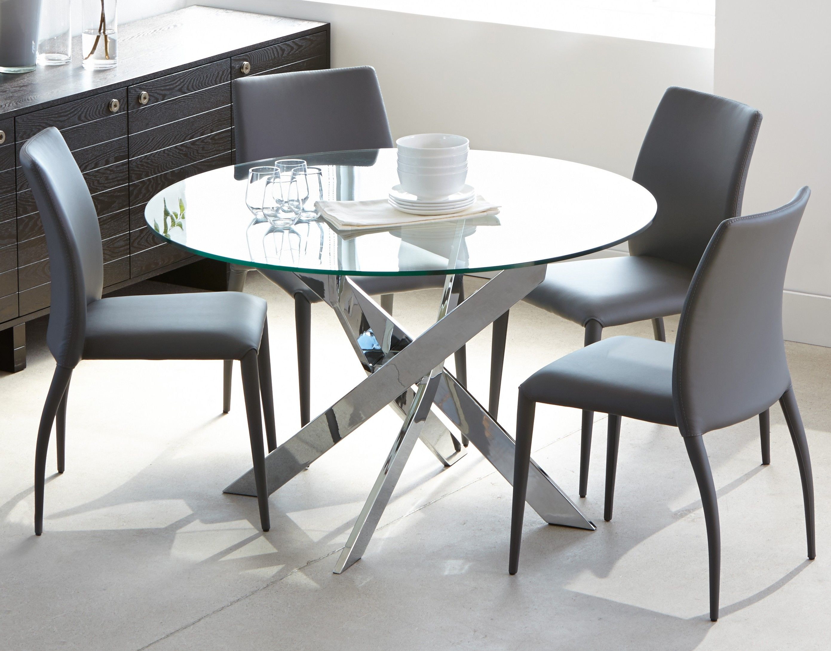 IBIZA   Round glass and chrome dining table 9''   Chrome   Glass ...