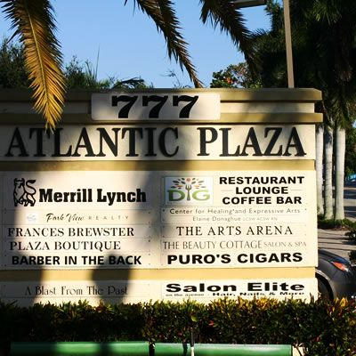 Atlantic Plaza Is A Boutique Shopping Complex Found On Atlantic Avenue On Delray Beach Delraybeach Delray Beach Delray Beach Fl Palm Beach County