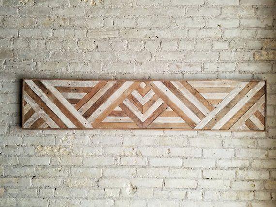 Arte de pared de madera recuperada, cabecera de la reina, decoración de la pared de madera, patrón del triángulo geométrico, 60 x 12 #reclaimedwoodwallart