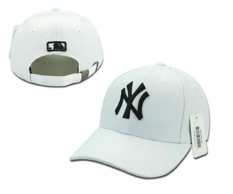 14c4c8dacb9bb Mens   Womens Unisex New York Yankees MLB Classic NY 3D Embroidery Logo  Strap Back Adjustable Cap - White