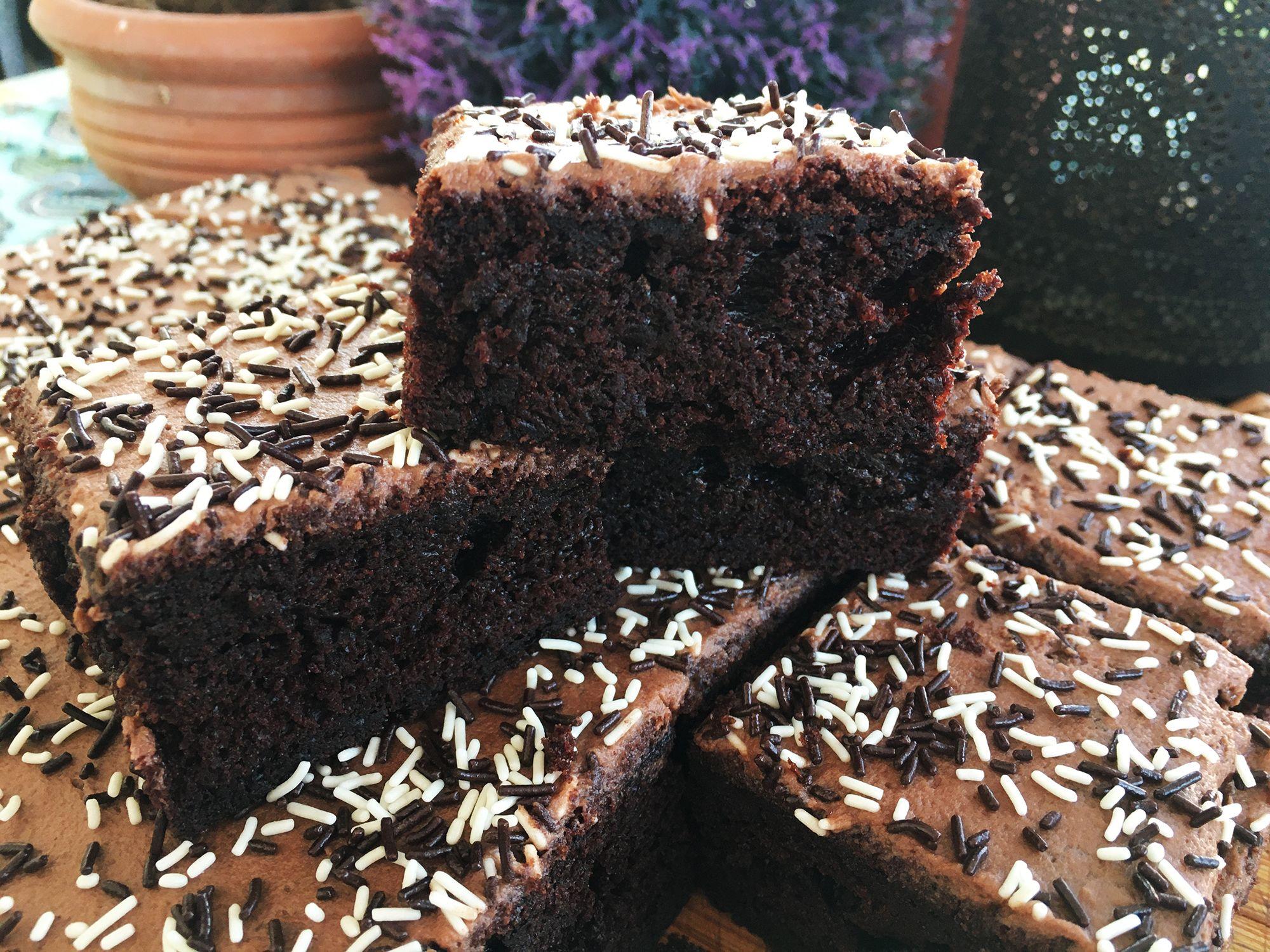 Classic Chocolate Sprinkle Tray Bake Recipe Recipe In 2020 Tray Bakes Chocolate Sprinkles Tray Bake Recipes