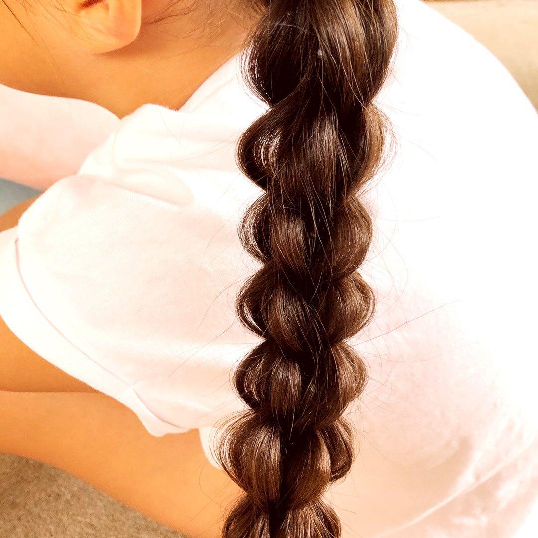 3プルスルーブレイドのサイドポニーヘアアレンジ 子供髪型