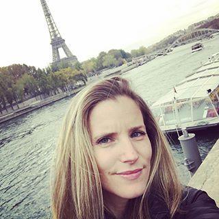 Welcome to Paris!  #tourist #journeeenfamille #igers #paris #toureiffel #laseine #love #familytime