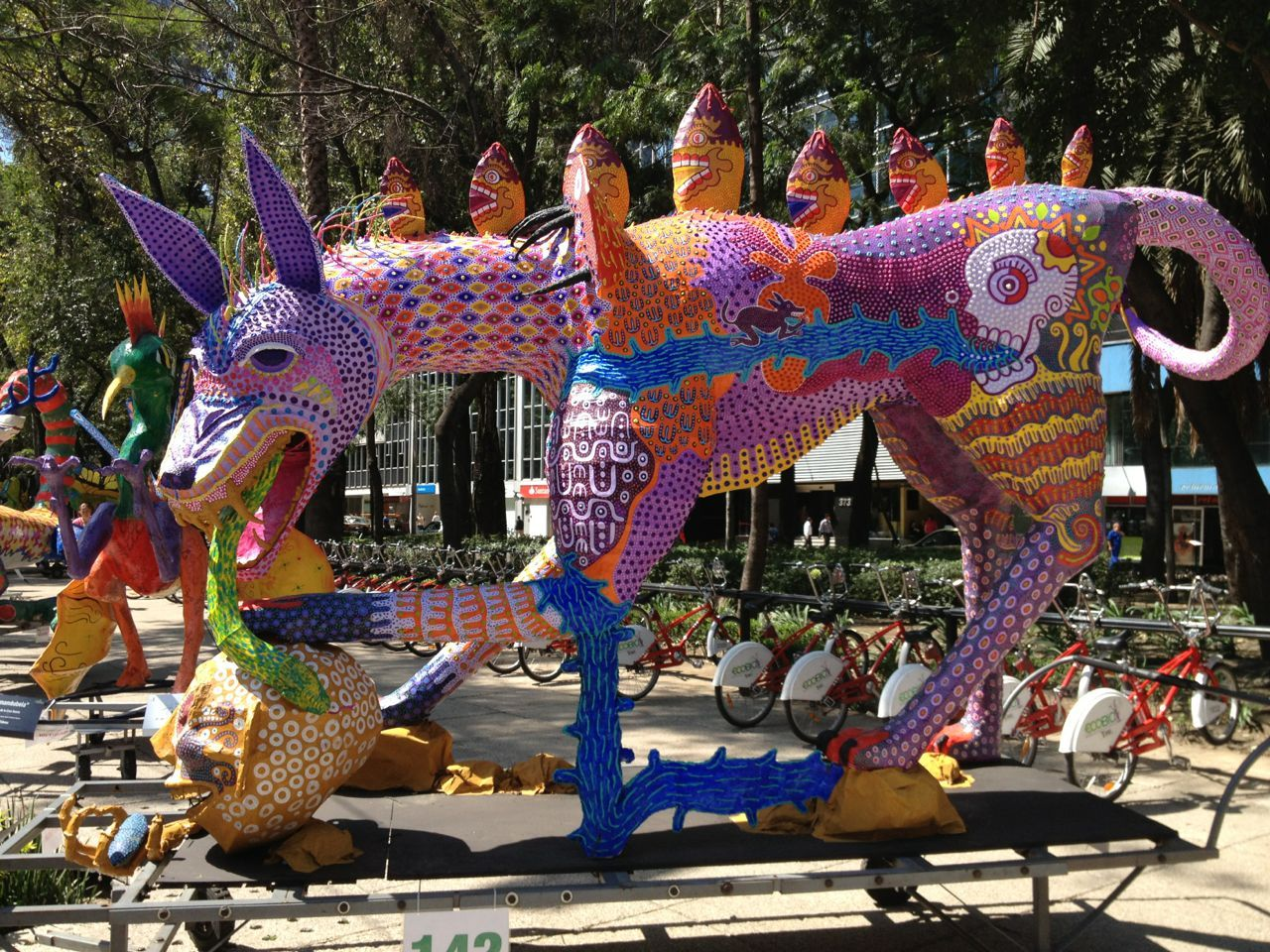 Alebrije Along Paseo De La Reforma In Mexico City Mexican Art Mexican Folk Art Light Art Installation