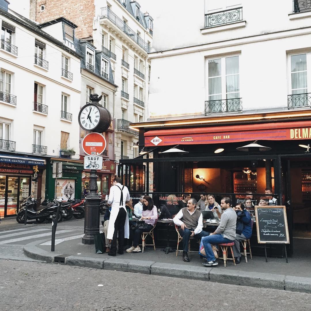 Typical parisian scenes in the 5th arrondissement. #walkmyparisnov2015