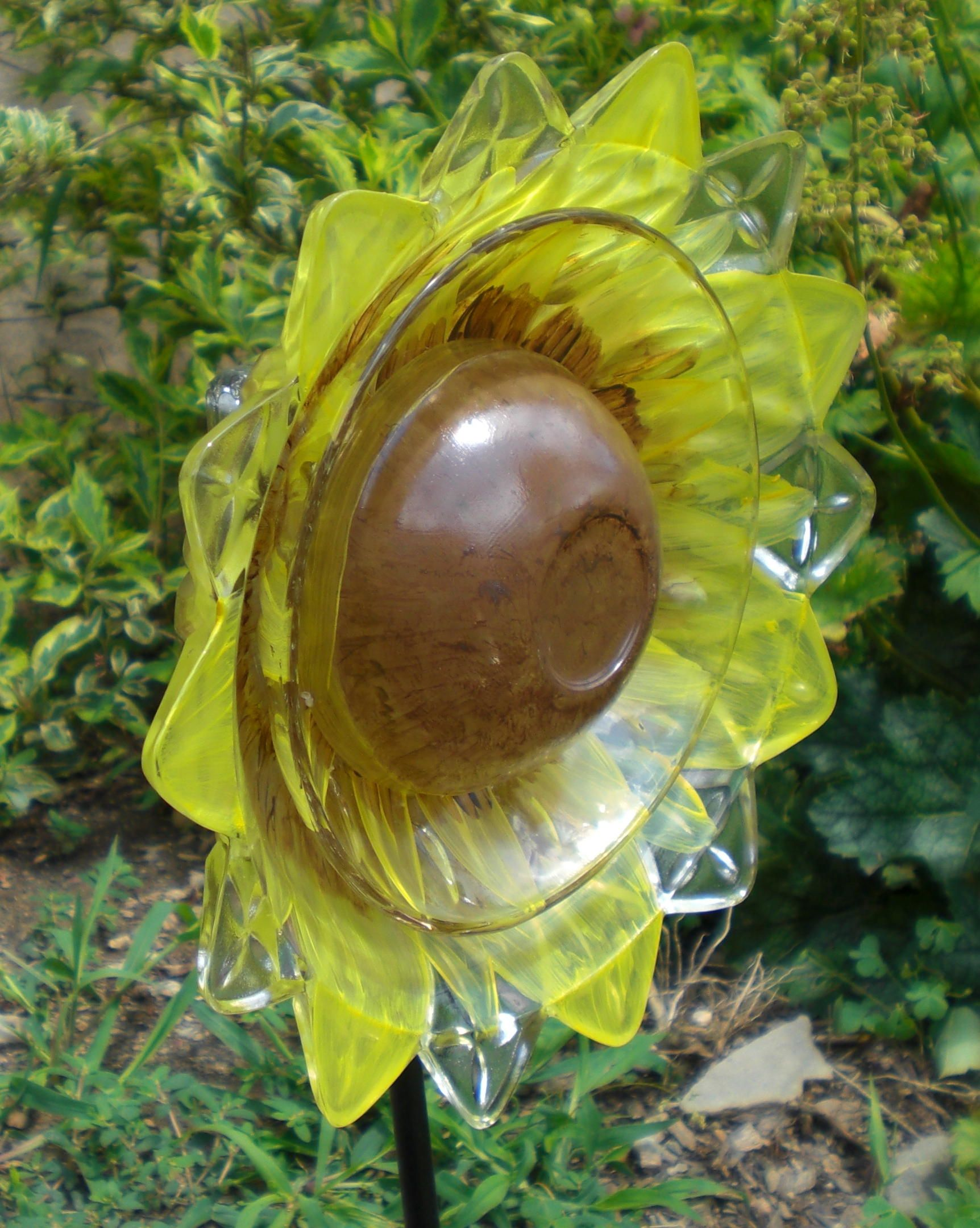 8 Yellow With Brown Center Glass Garden Flower Sold Glass