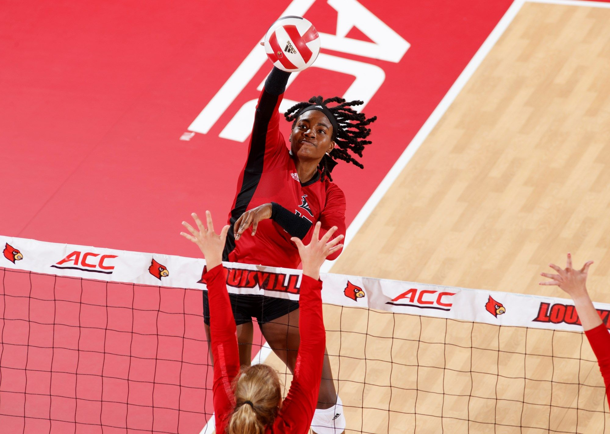 Meet Volleyball S Aiko Jones University Of Louisville Athletics Volleyballs University Of Louisville Aiko