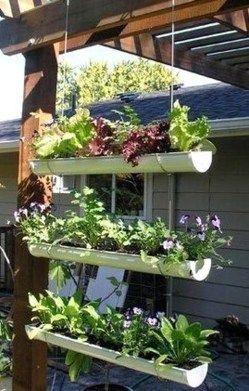 suspensions originales au jardin bricolage jardini re pinterest goutti re suspension et. Black Bedroom Furniture Sets. Home Design Ideas