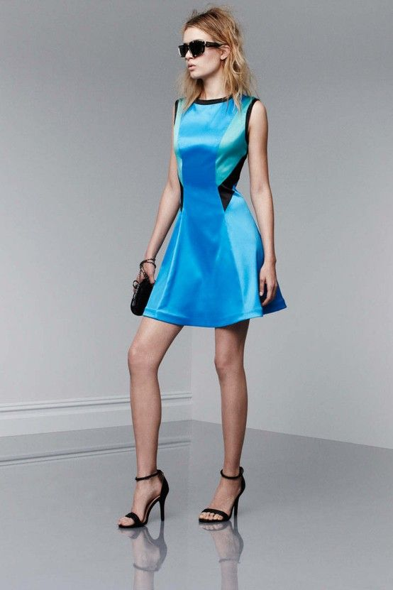 hot!! Blue bright and modern dress. perfection.