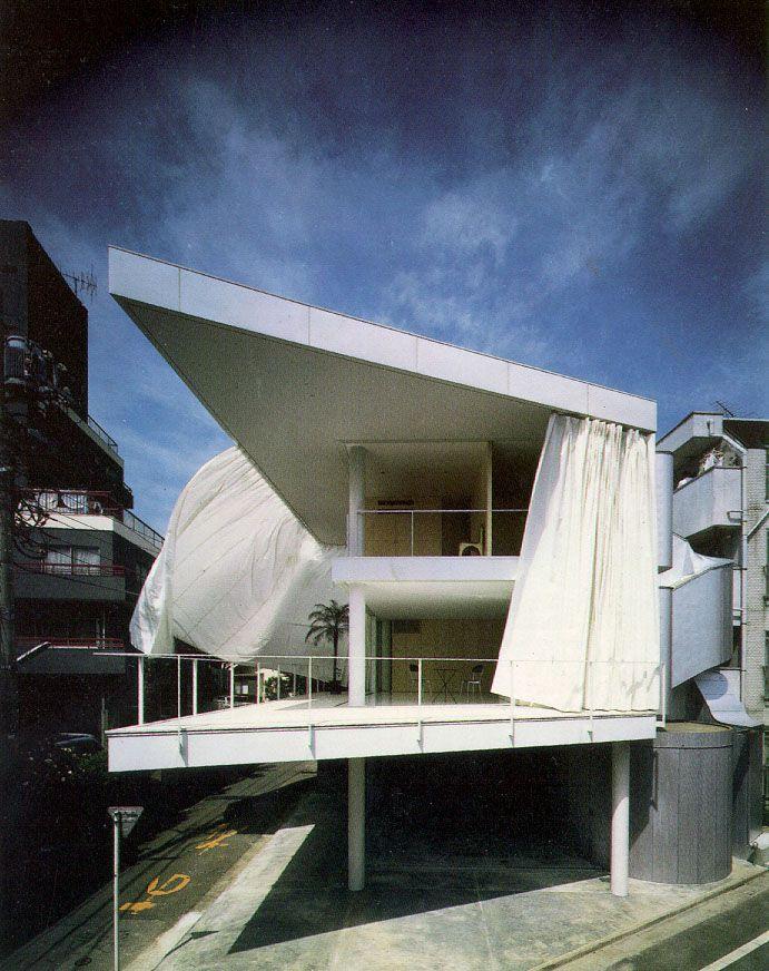 カーテンウォールの家