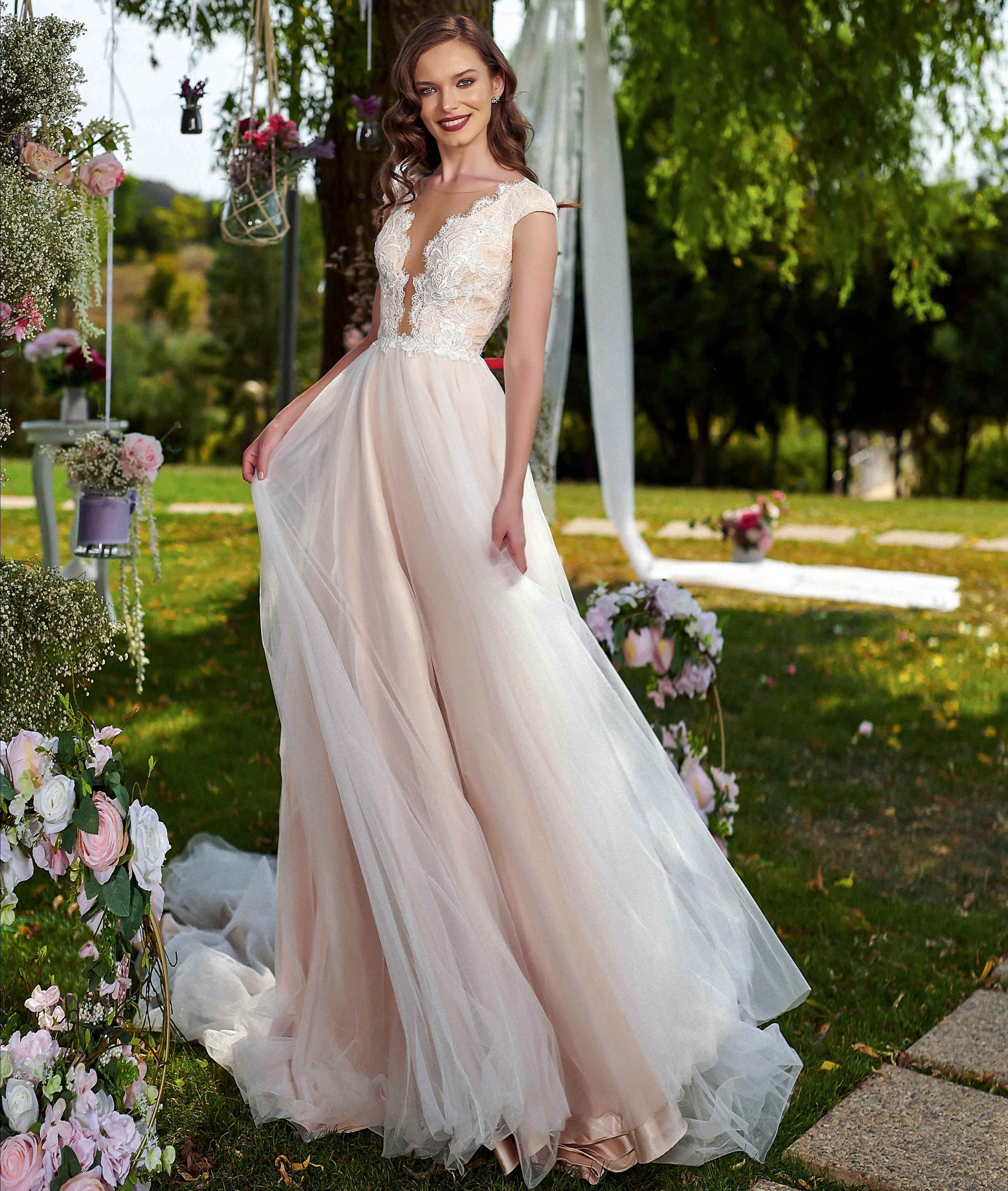 Wedding Dress Jameia Amanda Di Velli Wedding Dresses Dresses Wedding Dresses Lace [ 3645 x 3085 Pixel ]