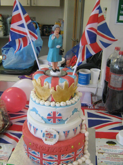 Another Shot Of The Cake Jubilee Theme Without Me Https Www Profiletree Com Adam Pastryguy Cake Decoratedcake 90th Birthday Cakes Cake Cake Competition