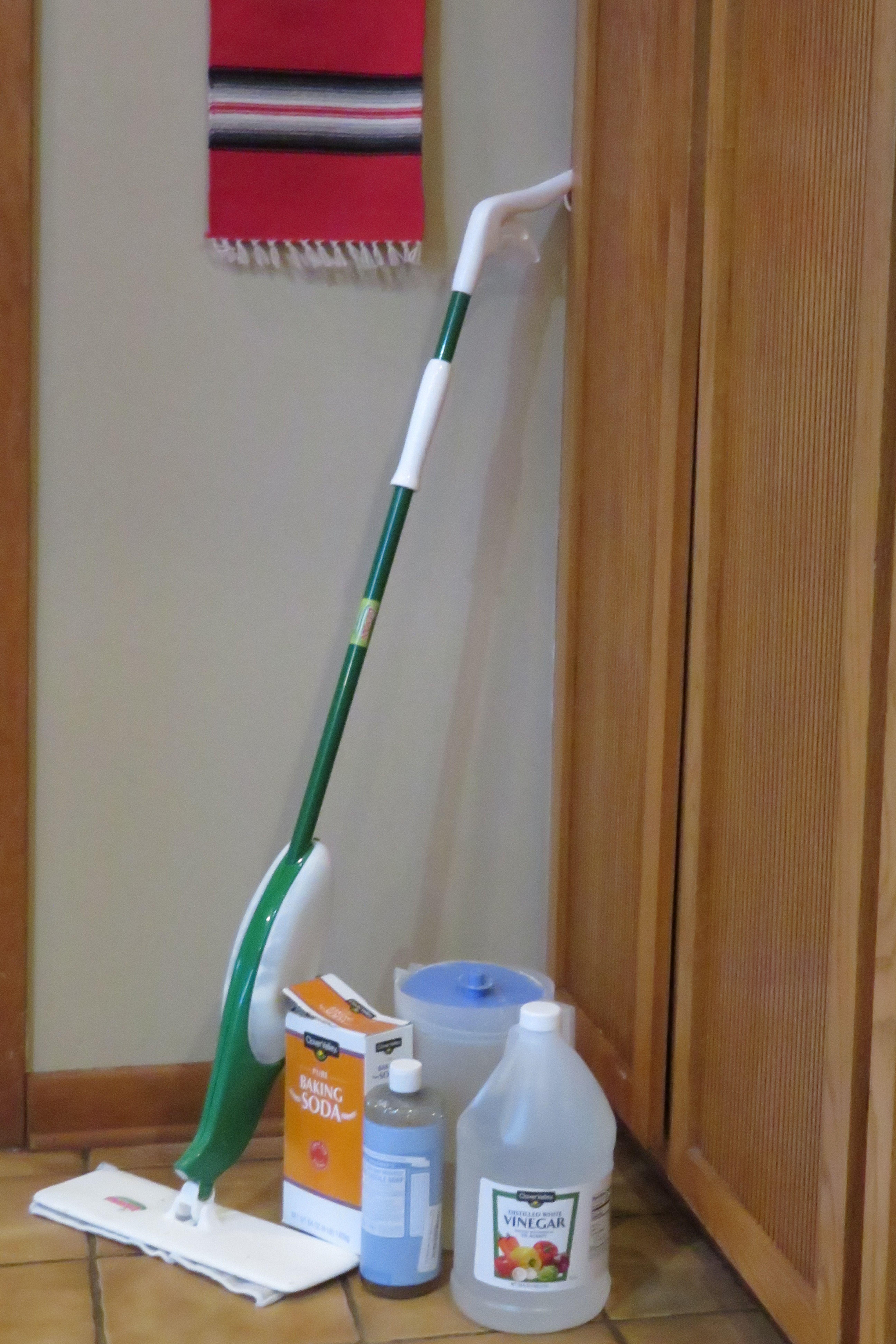 Vinegar Water Floor Cleaner