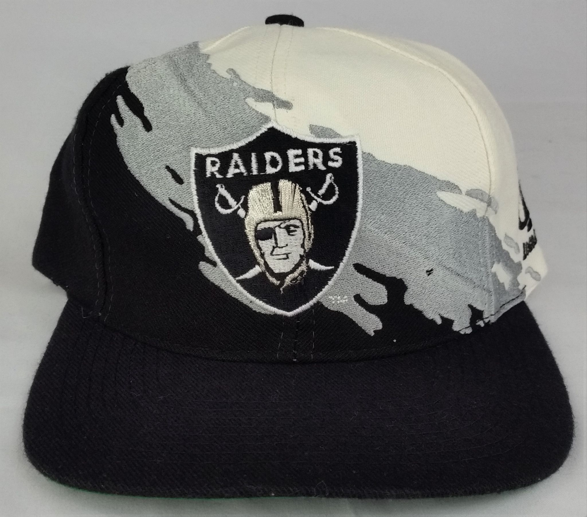 7cd56ce9301b36 LA Oakland Raiders Vintage Snapback Logo Athletic Splash Hat NFL Pro Line  Cap