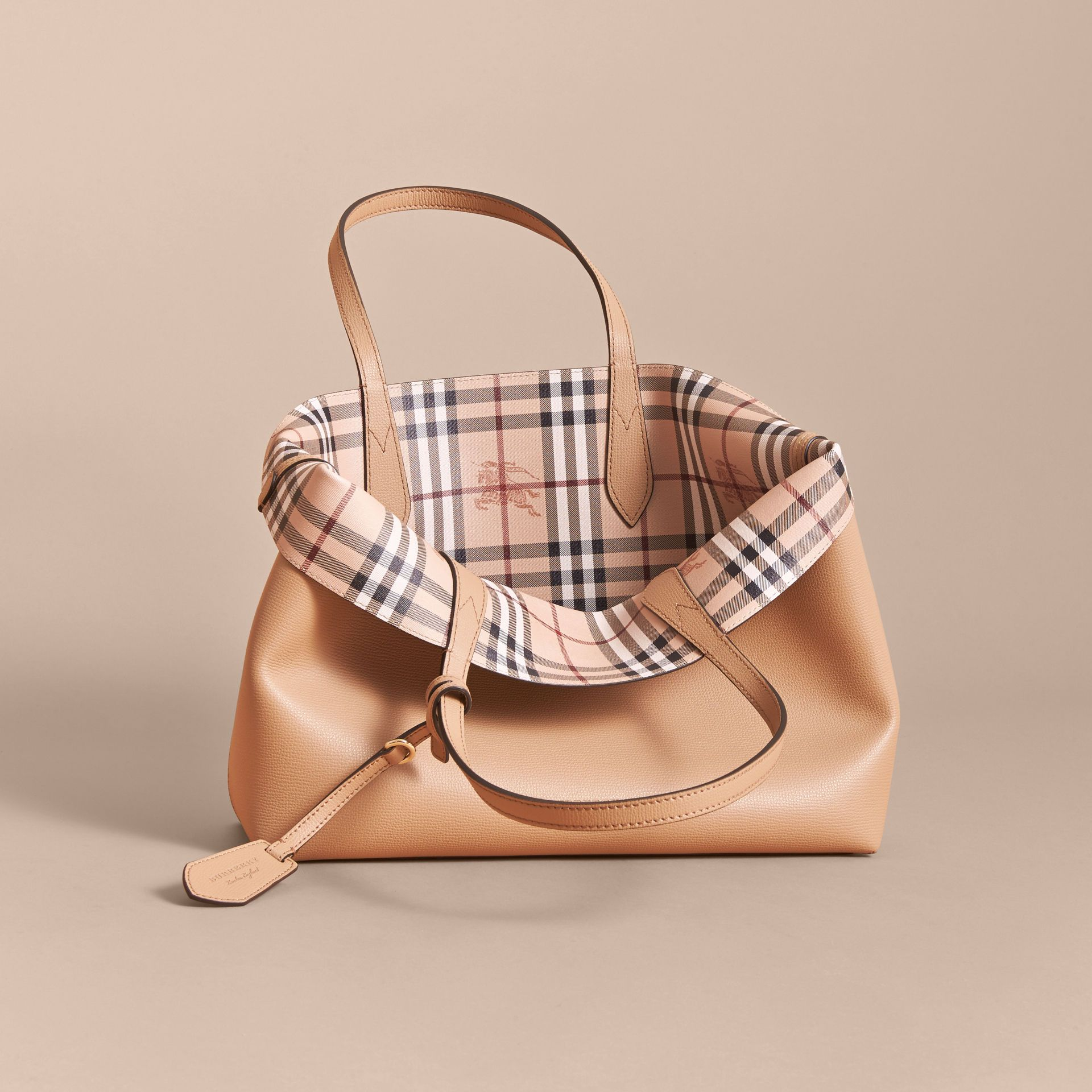 f4145698c0a2 Burberry - THE MEDIUM REVERSIBLE TOTE IN HAYMARKET CHECK AND LEATHER - Mid  Camel