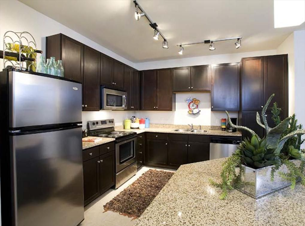 Allandale Apartments At Amli 5350 Austin Apartment Apartment Kitchen Models