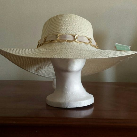 BEAUTIFUL IVORY COLOR HAT VIEW BACK OF HAT PHOTOS BEAUTIFUL IVORY HAT VIEW BAC OF HAT PHOTOS LOVE OF FASHION  NEW YORK  Accessories Hats