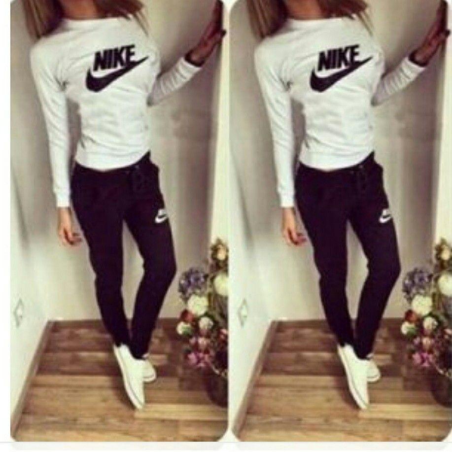 d9053e8b3a218 Chandal Nike Mujer 👖👕 25€ con envío a domicilio. WhatsApp al 684600128  📲📦