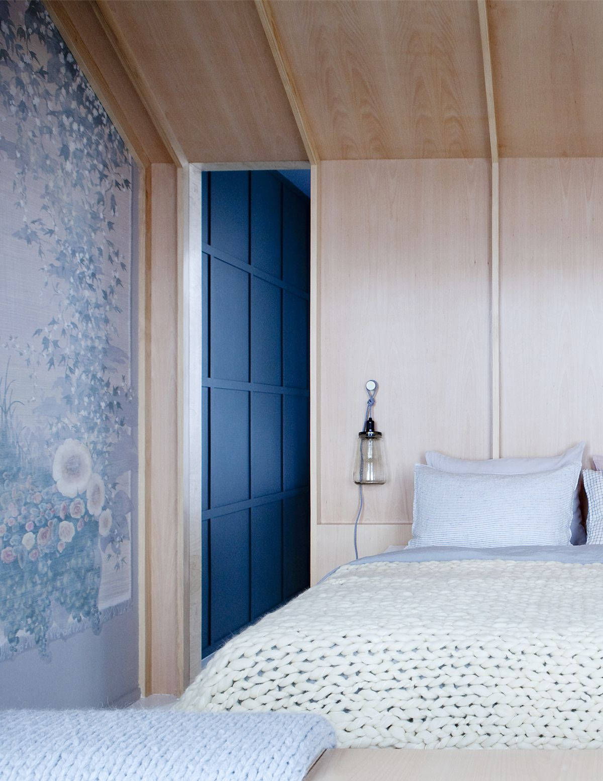 Room of the Week :: Dreamy Modern Pied-a-Terre Bedroom | Bedrooms ...