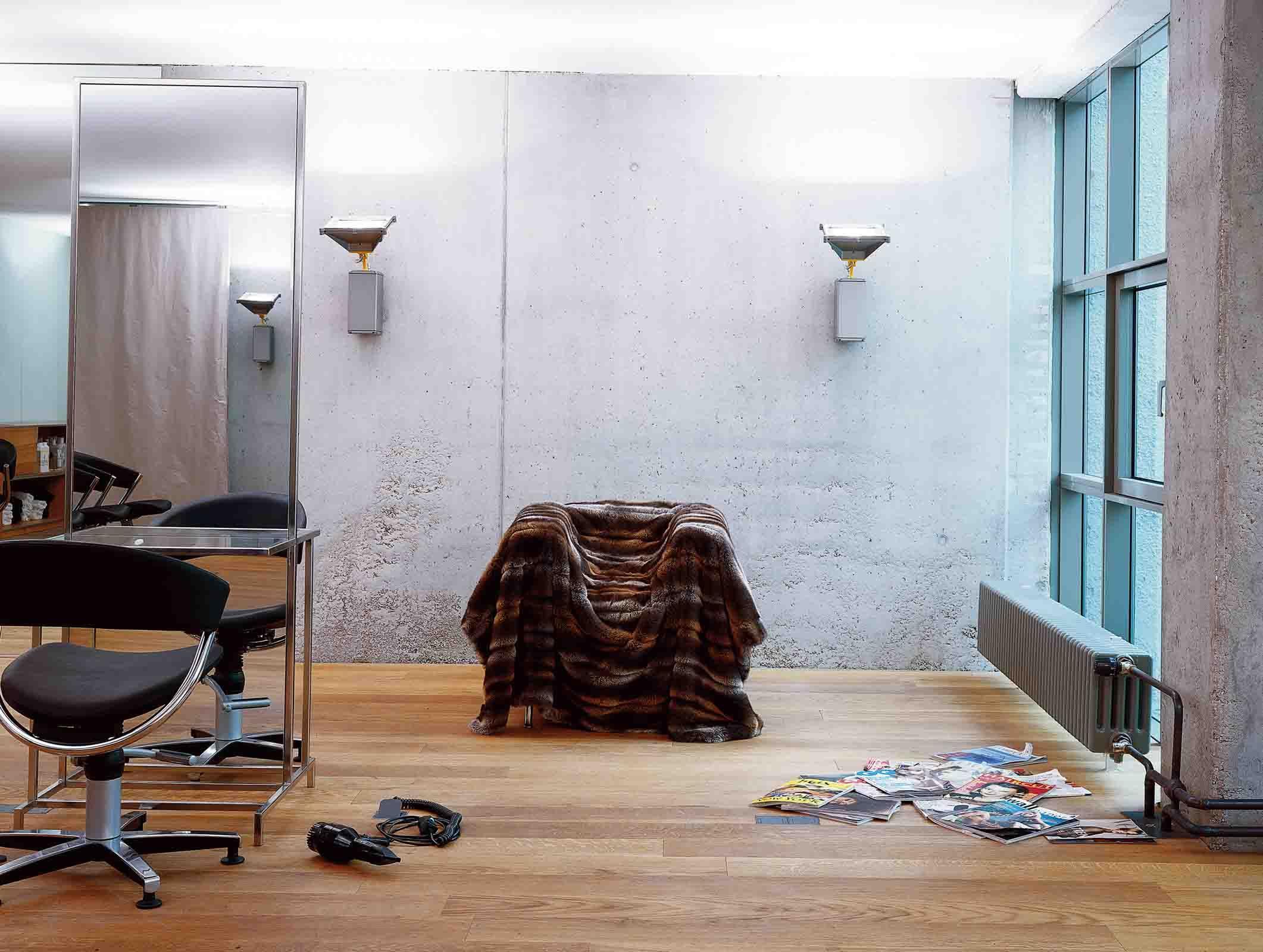 Ein Friseur-Salon mit radikal reduzierter Innenarchitektur: Die ...