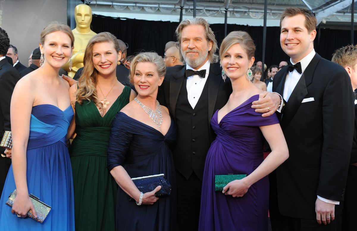 Jeff Bridges' Family Jeff Bridges, his wife Susan Geston, their children Jessica, Hayley and Isabelle, and Isabelle's husband Brandon Boesch