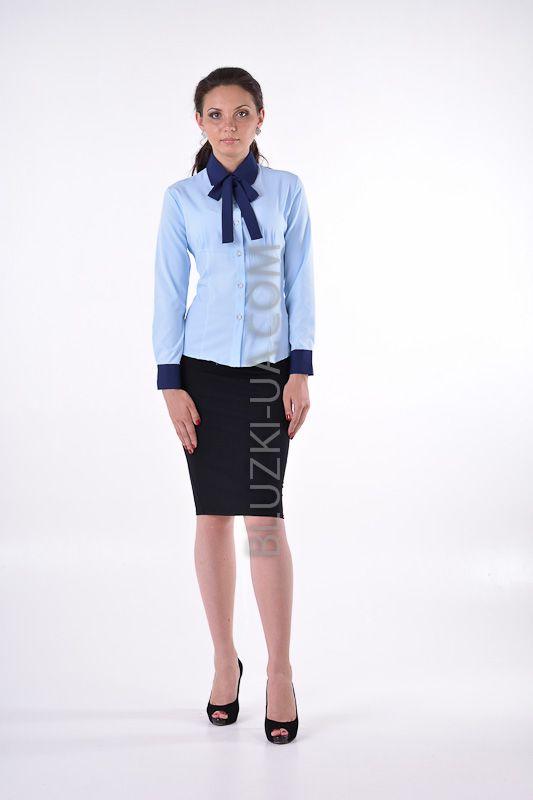 d51b938b965 Женская голубая блузка-рубашка с бантом на шее и отложным воротником темно- синего цвета