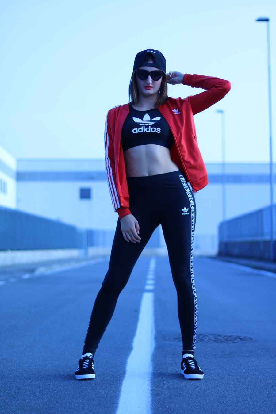 adidas gazelle nere outfit