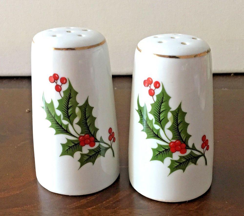 New Christmas Twins SANTA CLAUS SALT PEPPER SHAKERS Ceramic Holiday Classic SET