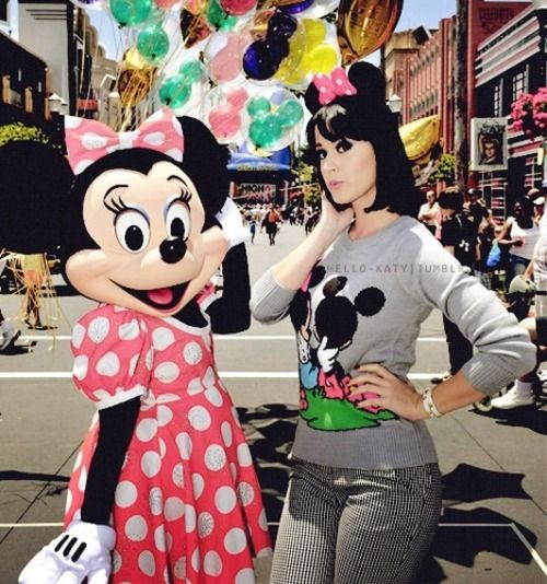 Katy Perry and Minnie Mouse..Super cute picture!!