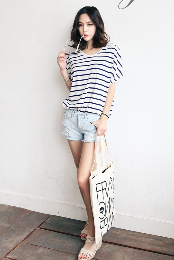 717437924106 Simple summer outfit with the striped tee
