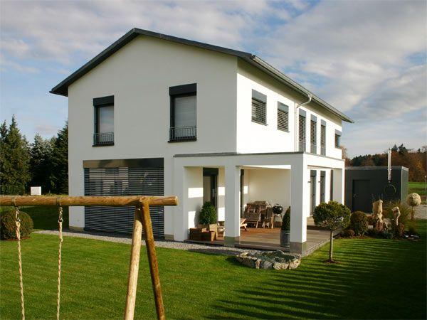Fassadengestaltung einfamilienhaus modern satteldach  fassade dunkle fenster - Google-Suche | Haus mit Satteldach ...