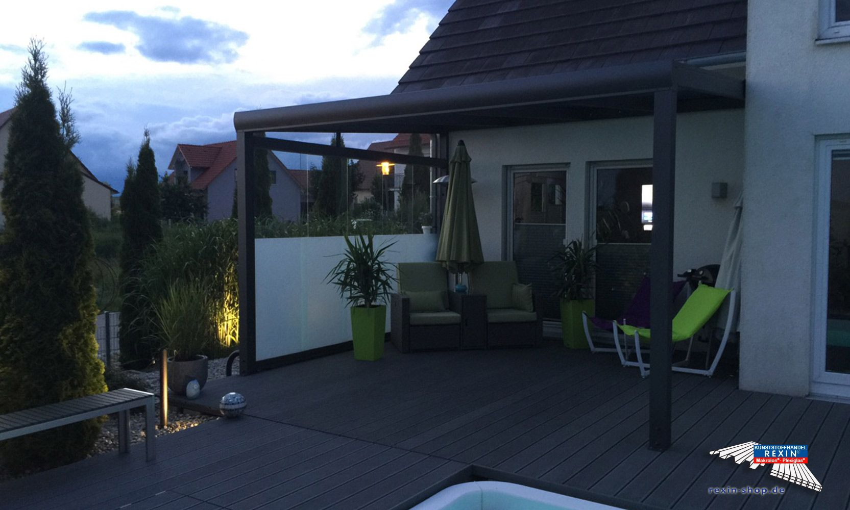 ein alu terrassendach der marke rexopremium 4m x 3 5m anthrazit mit stegplatten rexoclear. Black Bedroom Furniture Sets. Home Design Ideas