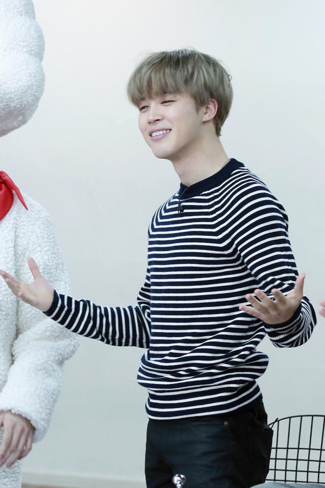BTS Run Ep. 44 Taehyung / V meme long sleeve T-Shirt fV8Kng9ay