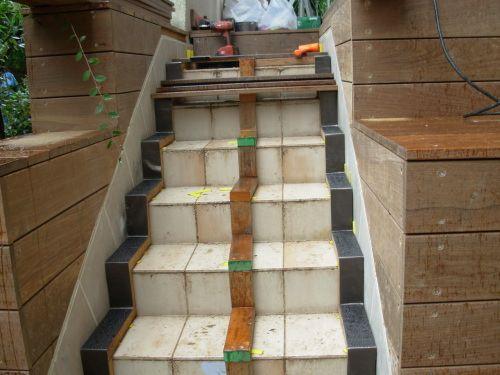 Mettre lames de bois exotique sur escalier préexistant escalier