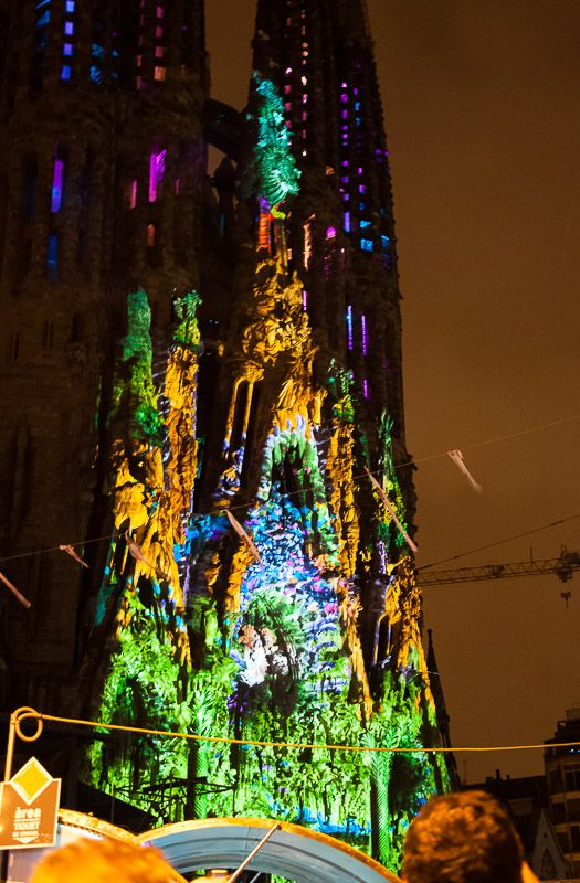 La Merce en la sagrada familia #barcelona #gaudi #sagrada #familia #luces www.disparodiario.com