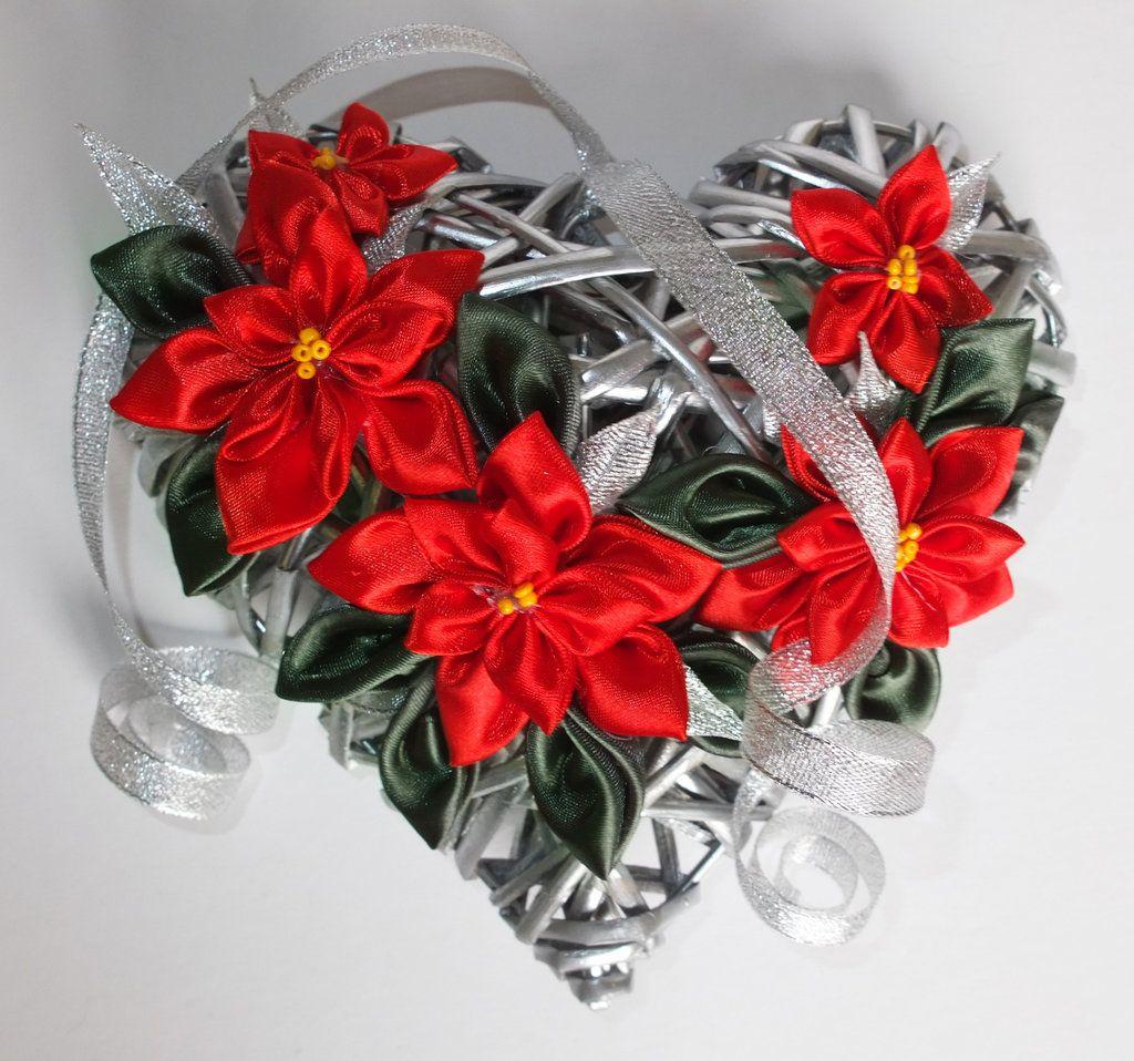 Photo of Cuore di vimini di Natale con stelle di Natale