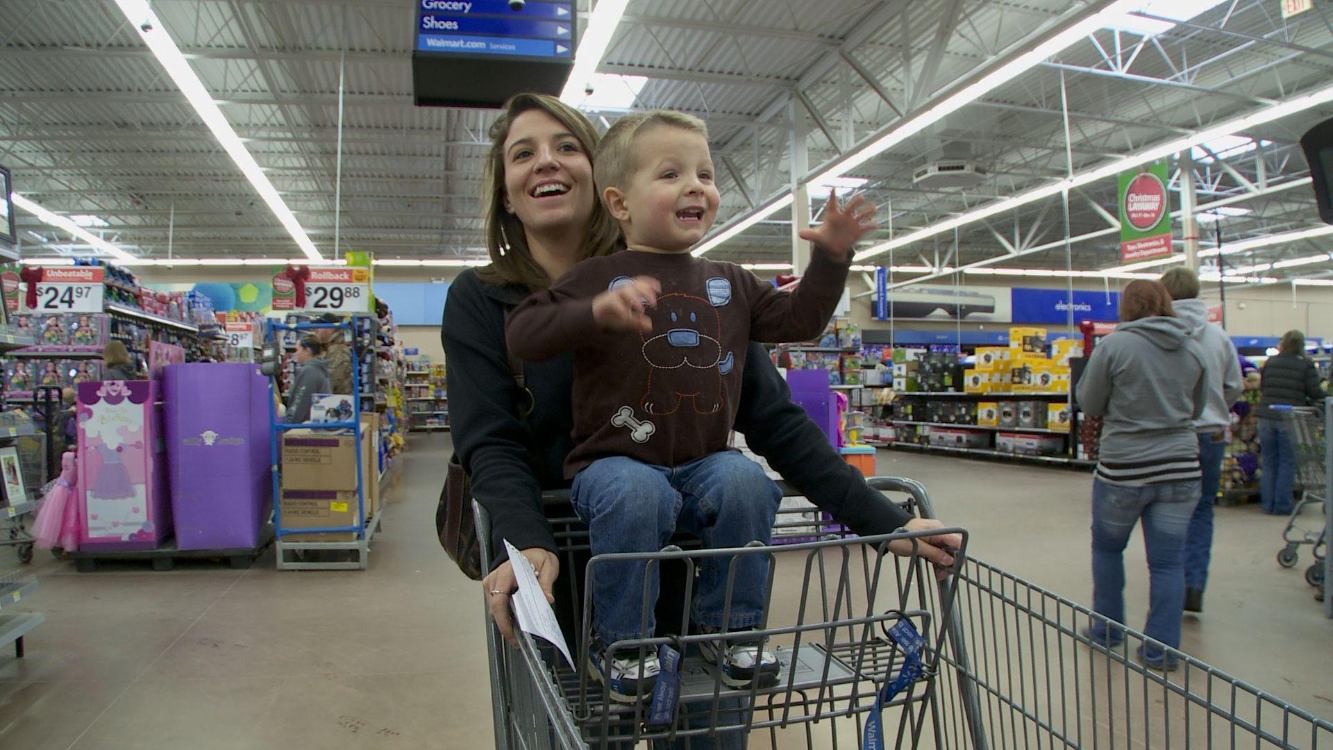 Leanna and bridger shopping box fan shopping home