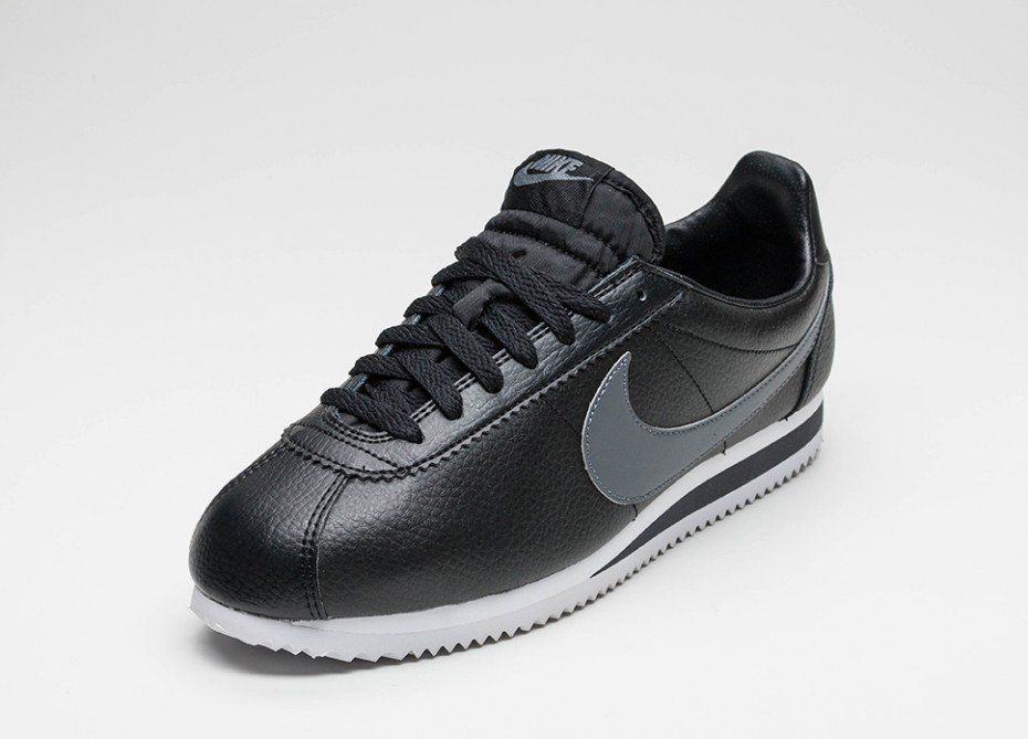 the latest 57605 c2a93 Nike Classic Cortez Leather (Black   Dark Grey - White)