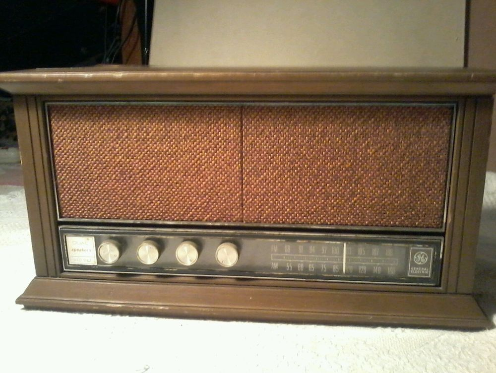 1959 Sony Early AMFM 12 Transistor Radio TFM121 works very well