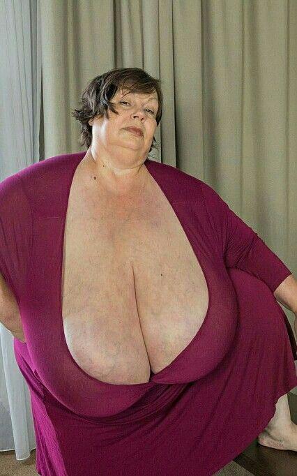 Karola huge boobs-9343